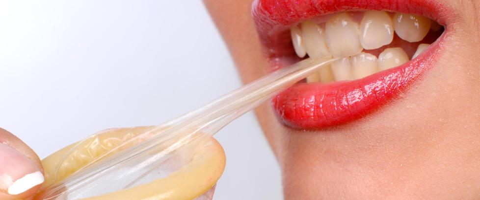 nat tid hvid oral med kondom
